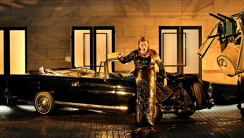 Catherine Foster as Brünnhilde.