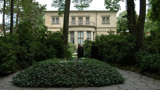Richard Wagner's grave in the garden of Villa Wahnfried.