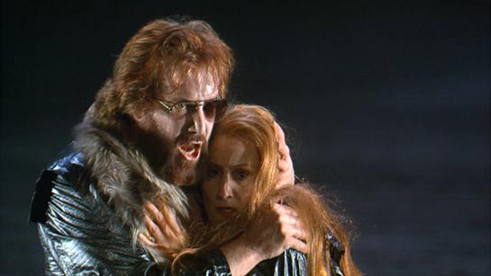 John Tomlinson and Anne Evans in Harry Kupfer's production of Die Walküre